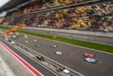 Аварії, круті перегони та стильний Джекі Чан. Кращі моменти гонки в Шанхаї
